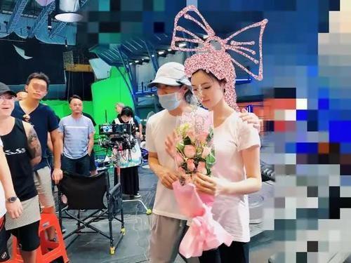 Clara Edition 《美人鱼》上线 连续9天稳居热门榜第�